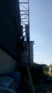 Металокаркассная шахта для грузового подъемника